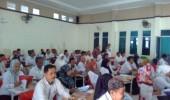 Sejumlah Guru Di Lebak Bedah Buku Bahasa Sunda
