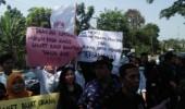 Dorong Tersangka Baru Kasus Genset RSUD, Aktifis Anti Korupsi Kepung Kejati Banten