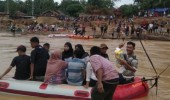 Gunakan Perahu Karet, Kadin Kota Serang Salurkan Bantuan di Kecamatan Sajira