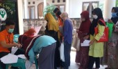 Pembagian Dana BST Di Desa Salira Dengan Tertib