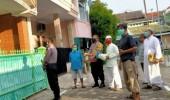 Personel Polres Cilegon Berikan Bantuan Sembako Kepada Pasien Covid-19 yang Sudah Sembuh