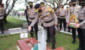 Maknai Perjuangan, Polda Banten Lakukan Ziarah Rombongan dan Tabur Bunga di TMP