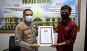 Hari Bhayangkara Ke 74 IJTI Korwil Kabupaten Serang Berikan Penghargaan  Kepada Polres Serang