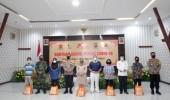 TNI-Polri Salurkan Bantuan Bagi Pasien Covid Yang Isolasi Mandiri Di Rumah